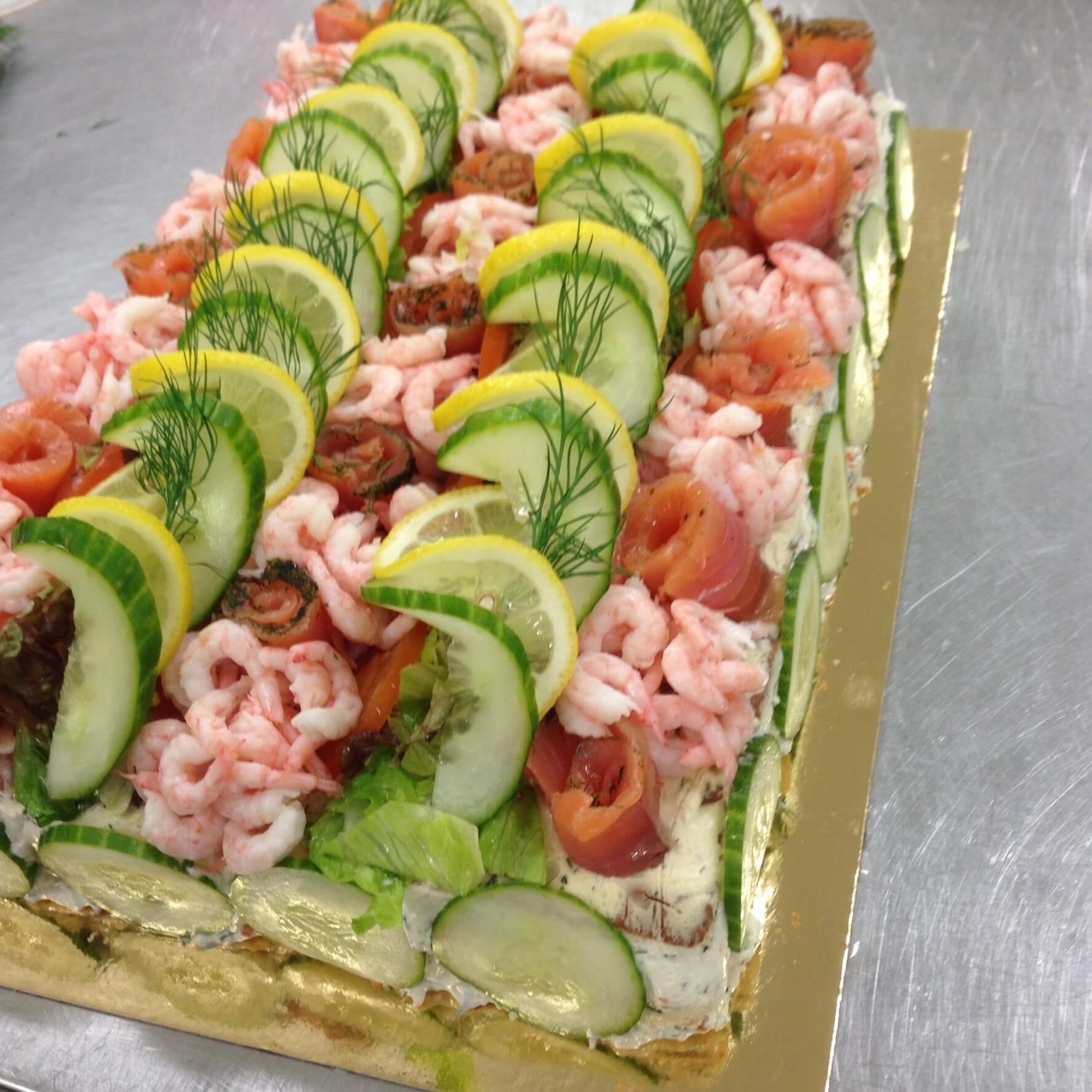 Smörgåstårta räkor lax